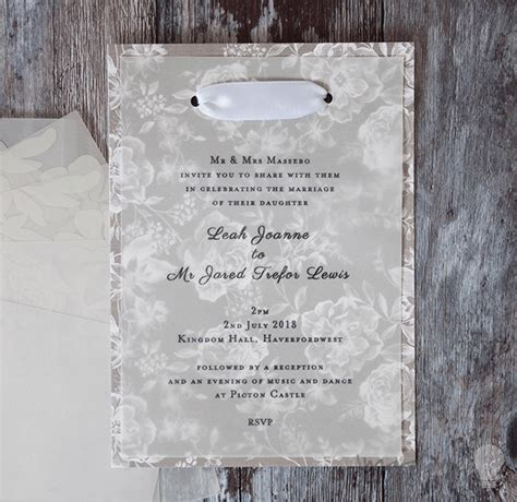 wedding invitations using vellum paper how to make gorgeous vellum wedding stationery