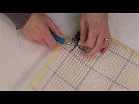 How To Bind A Latch Hook Rug by 17 Best Images About Weaving Latch Hooking Ideas And Diy
