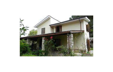 casa con giardino roma privato vende casa indipendente casa con giardino vicino