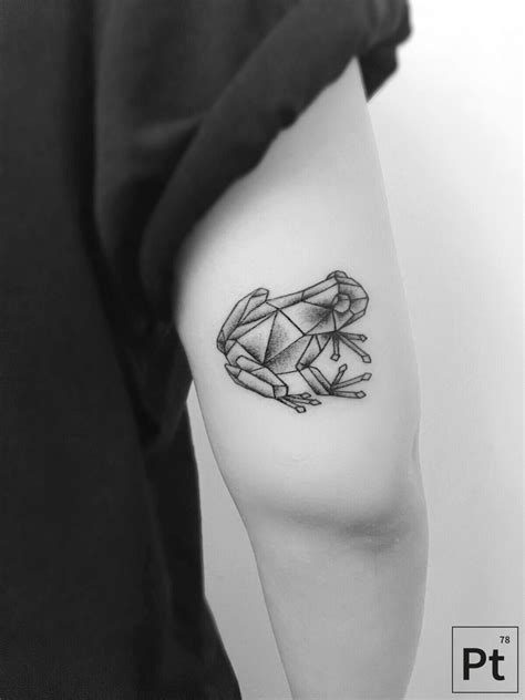 small frog tattoo geometric frog tattoos pinte