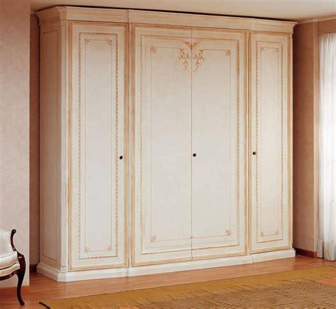 armadi classici di lusso guardaroba classico in tamburato laccato avorio gessato