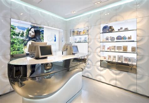 Laneige Counter 1000 images about interior kiosk on retail store design and pharmacy