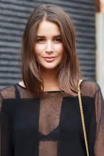 frisuren mittellange haare braun die besten 17 ideen zu mittellanges haar auf mittellange haarschnitte halblange