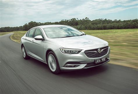 holden dealers in holden dealers warned brace for a fall goautonews premium