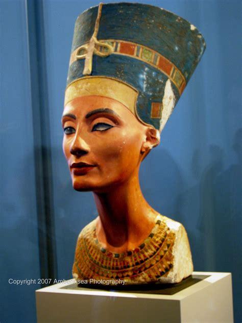 Maskara Nefertiti Nefertiti The Has Arrived The Iconic Bust