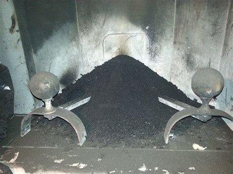 manutenzione camino pulizia caminetto come pulire i mattoni di un caminetto