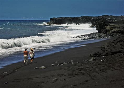 black sand beaches hawaii green sand black sand white sand gray sand and piebald the colored sand beaches of the big