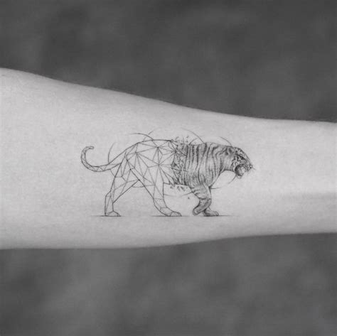 geometric tiger tattoo best 25 geometric animal ideas on