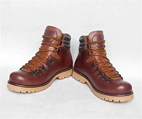 Sepatu Boots Gunung Pria Raindoz Kulit Hitam jual sepatu gunung boots pria jumbo big size ukuran besar kulit waterproof wetan store