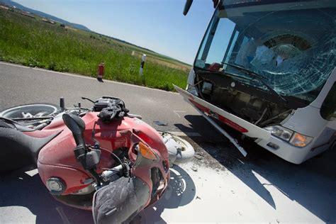 E Bike Unfall Baden by Unfall In Affalterbach Mit Linienbus Kollidiert Biker