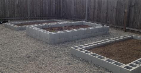 cheap easy diy raised garden bed ideas