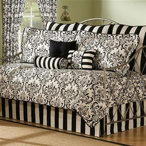 Types Of Daybed Bedding Homes And Garden Journal