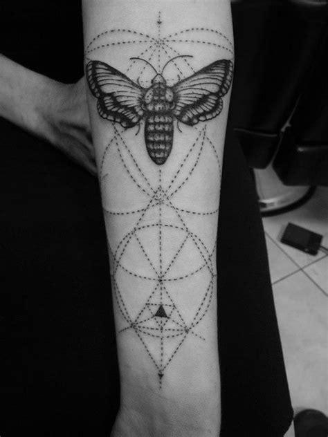 tattoo butterfly geometric geomteric butterfly tattoo tattoomagz