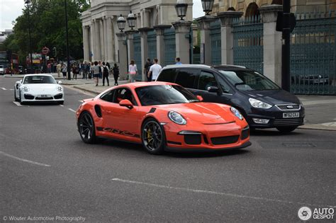 Porsche Gt3 Turbo by The Moment When A Wingless Porsche 911 Gt3 Rs Pdk Makes A