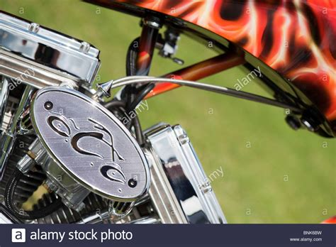 Motorrad Mit Airbrush Lackieren by Custom Chopper Harley Davidson Motorrad Mit Einem V