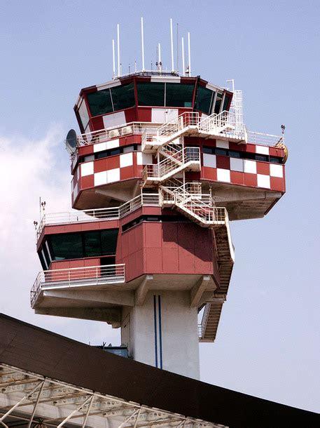 popolare crotone aeroporto crotone azionariato popolare calabria ansa it
