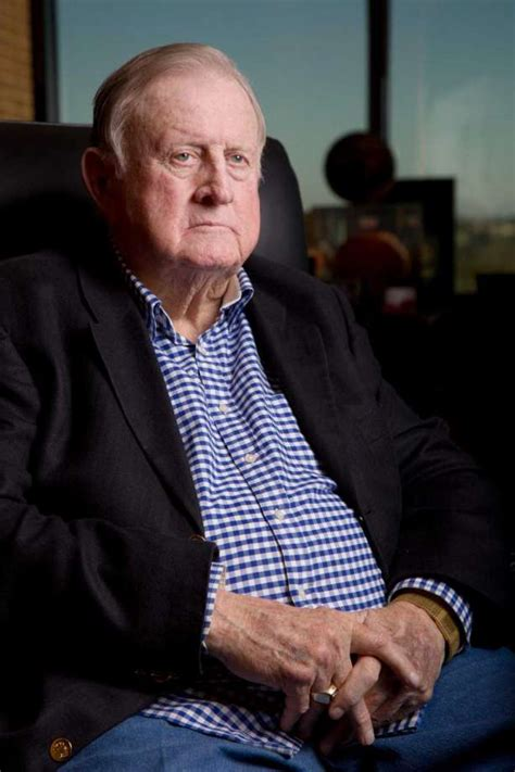 Of Mccombs Mba Placements by Billionaire Mccombs Sues Ex Execs Severs Longtime Ties