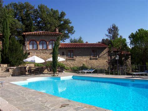villa con giardino e piscina villa privata con giardino piscina e annuncio n