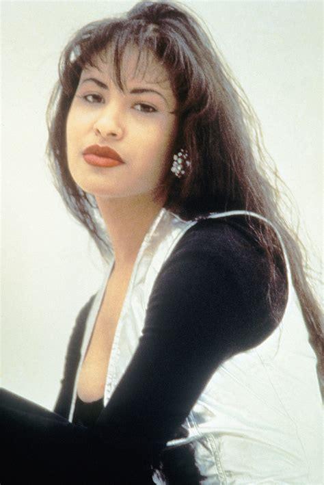 Selena S   selena s hollywood walk of fame date popsugar celebrity