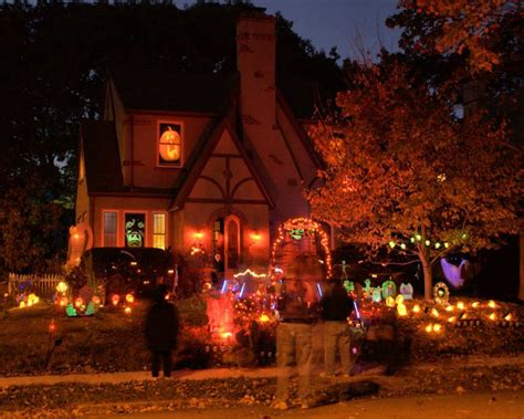 decorated homes for halloween series halloween decorated house 3 photo leo photos at