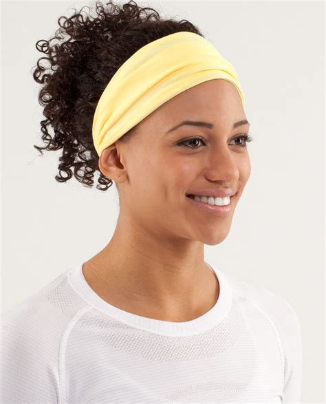 hairstyles with headbands foe mature women yoga headband for short hair best short hair styles