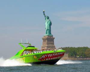 speed boat ride nyc speedboat ride new york city pier 83 midtown 30 minutes