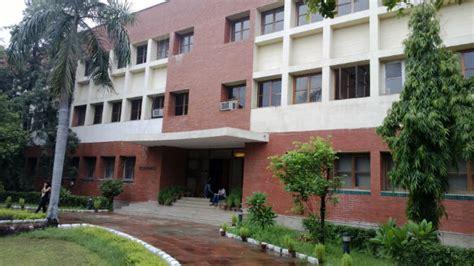 Delhi School Of Economics Mba delhi school of economics the years those were the
