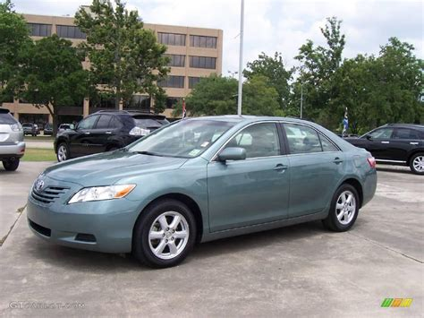 Green Toyota Camry 2007 Aloe Green Metallic Toyota Camry Le 9943357 Photo