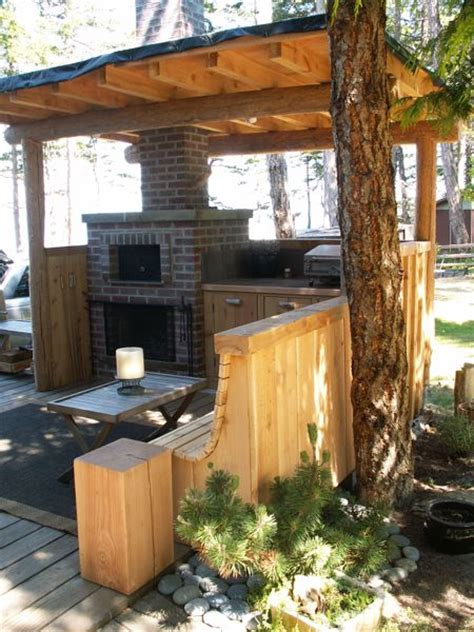 Outdoor fireplace & cooking station..   Todsen Design