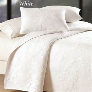 White Coverlet Set Reversible Shell Quilted Matelasse Coverlets