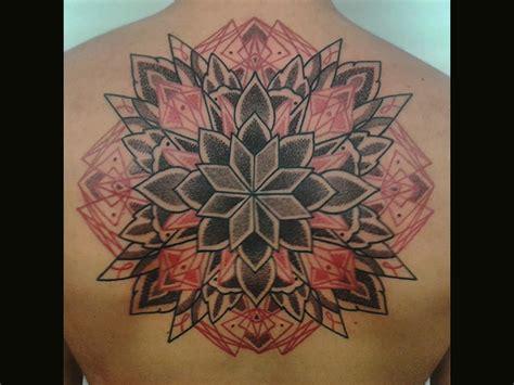 tattoo mandala piccolo tatuaggi napoli littlestartattoo napoli claudio comite