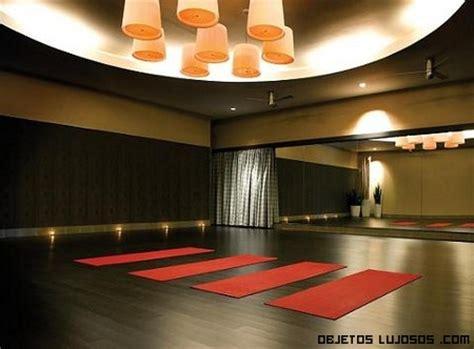imagenes de salones yoga gimnasio exclusivo y lujoso