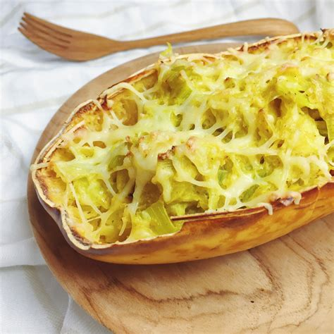 cuisiner la courge spaghetti courge spaghetti farcie recette v 233 g 233 tarienne et sans
