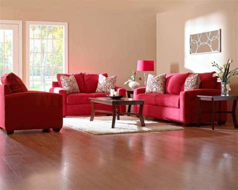 rotes sofa wohnzimmer einrichten mit farben rote farbe energie und