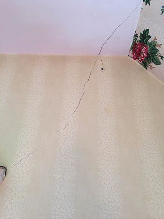 crack in bedroom wall norfolk pictures traveler photos of norfolk ct tripadvisor