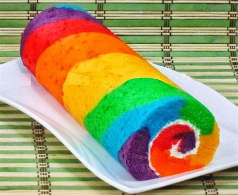 membuat kue bolu gulung pelangi halus  sederhana