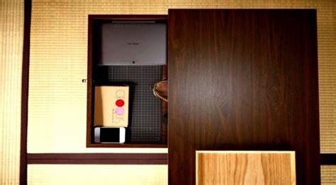 Meja Baca Minimalis Jepang High Quality tren budaya minimalis di jepang dijamin kurangi sifat