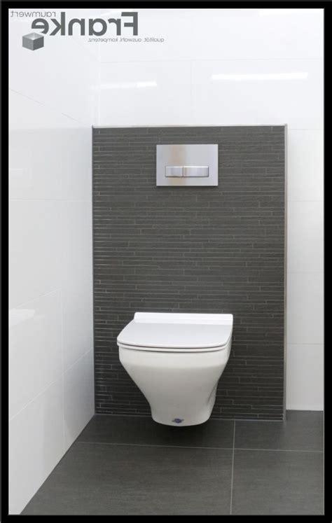 badezimmer design bad fliesen grau bad holzboden graue - Bodenfliesen Badezimmer Grau
