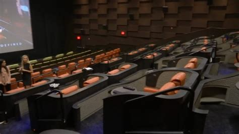 Reclining Seats Theater Nyc by New Luxury Theater Open In New York