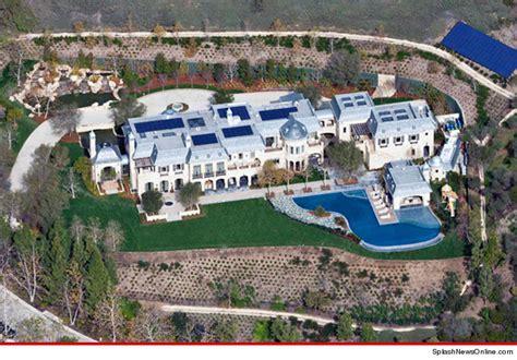 Tom Buys A Mansion by Dr Dre Buys Tom Brady S 50 Million La Estate Stacks