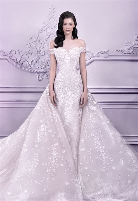 the bold bride stunning wedding gowns brides and bridesmaids in 20 stunning non white wedding dresses for the bold and