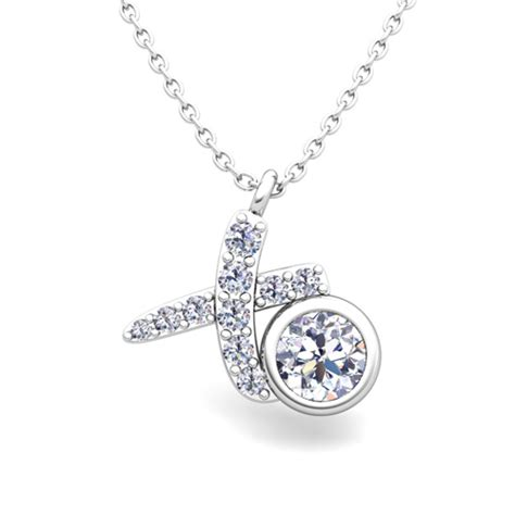 solitaire necklace in 18k gold xo pave pendant