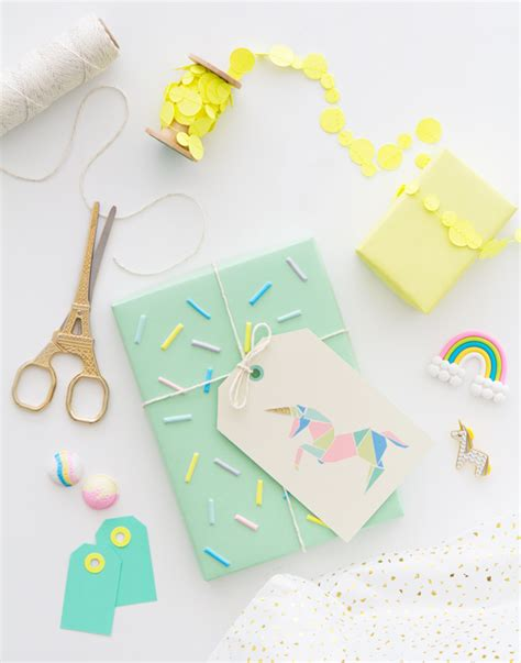 Origami Gift Tags - free printable origami unicorn gift tags