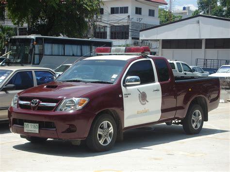 toyota thailand english file thai police car hilux jpg wikimedia commons