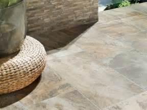 fliesen verlegen terrasse die besten 17 ideen zu terrassenfliesen auf