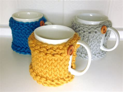 how to knit a mug cosy how to loom knit a mug coaster cozy diy tutorial
