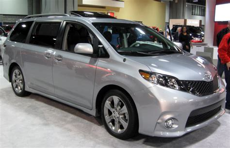 Toyota Recall Toyota Recalls 838 000 Minivans Defective Door Can Open