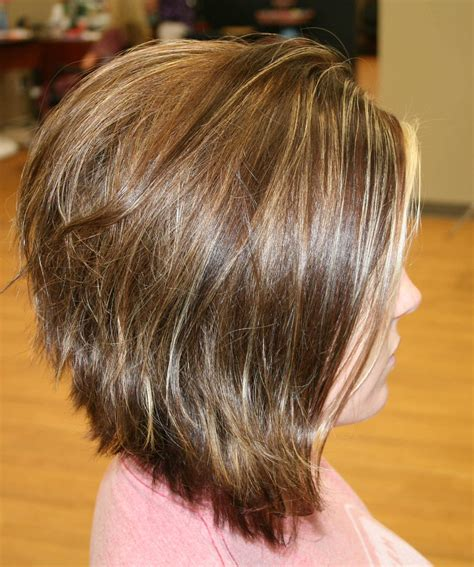 photos of the back of a haircut with a w neckline inverted bob haircut back view 25 with inverted bob