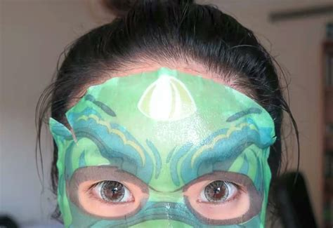 Masker Unik 5 produk masker wajah unik yang membuat selfie kamu