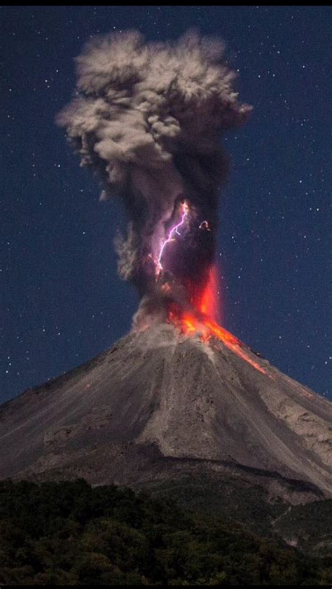 wallpaper iphone 6 volcano volcano with lightening iphone 5 wallpaper 640x1136